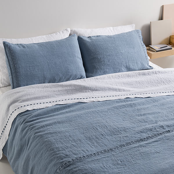 La fabbrica del lino quilt con ricamo petali - La fabbrica del lino letto ...